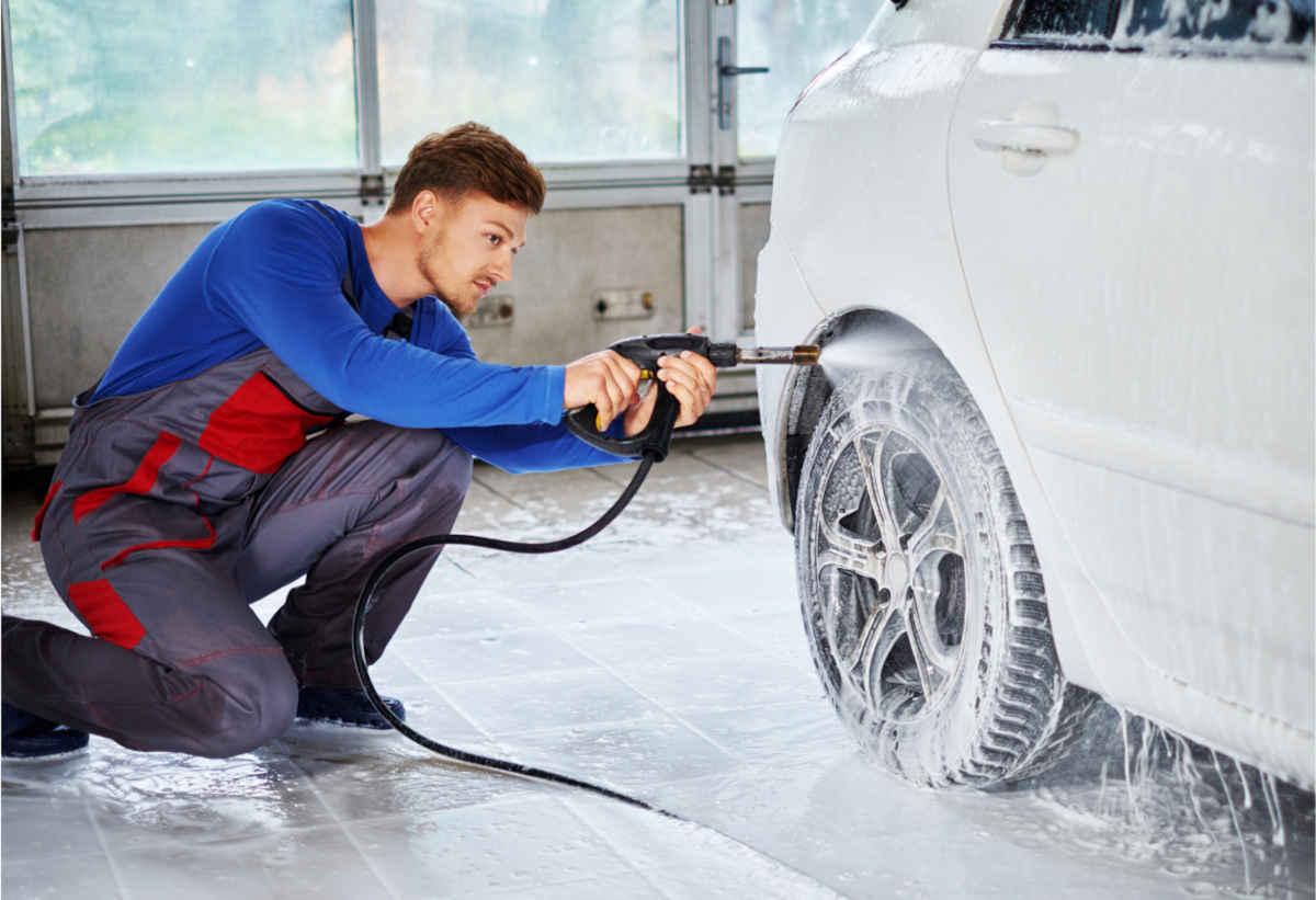 expert professional detailing a wheel